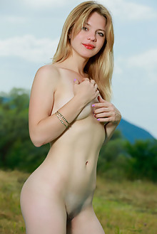 Presenting Elisa Liv by Matiss outdoor fields blonde green eyes boobies shaved pussy