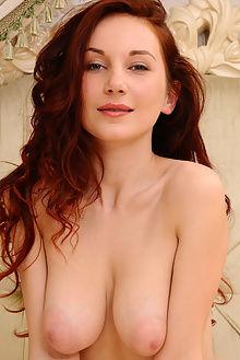 ledona pralesy fabrice indoor brunette pussy
