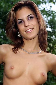 nella outdoorsy outdoor brunette hazel shaved pussy dildo
