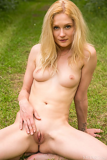 Gerda Rubia in Runner by DeltaGamma outdoor sunny woods blonde blue eyes shaved pussy custom