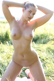 Beverly A in Grasslands by Yann outdoor sunny blonde blue eyes boobies shaved pussy ass hips fields