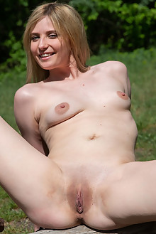 Varvara in The Girl On The Log by Thierry Mureel outdoor sunny blonde shaved pussy ass