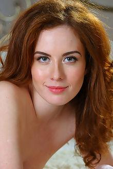 sienne new model presenting alex sironi redhead unshaved blue indoor unshaven