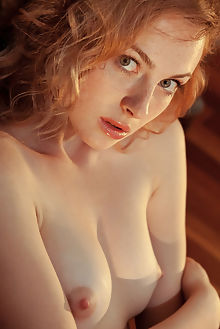 jamie joi new model presenting albert varin indoor redhead green freckles boobies shaved ass pussy