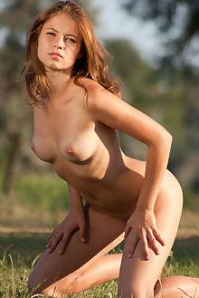 larae outdoor fredom viktoria sun brunette brown shaved