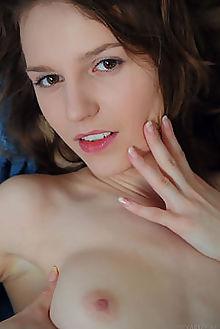 sofi shane ineva vicente silva indoor brunette brown shaved pinky pussy fingering ass custom