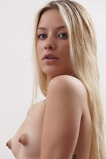 candice antique denis gray indoor blonde hazel puffy ass pussy toys