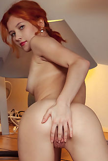 ambre reanthe albert varin indoor redhead brown shaved pussy ass labia