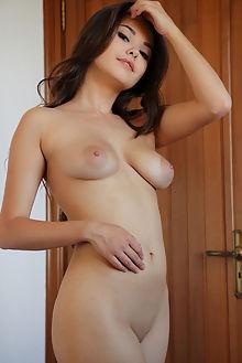li moon zigzag arkisi indoor brunette brown asian boobies shaved ass pussy