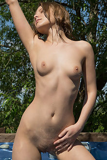 nikia a lazienka rylsky outdoor brunette petite blue boobies shaved pussy