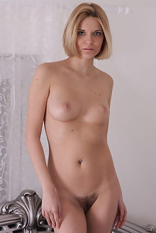 Gwinnett in Silver Canopy Bed by Thierry Murrell indoor blonde boobies hairy unshaven