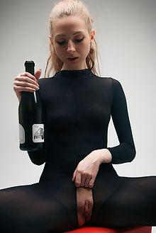 areana champagne higinio domingo indoor blonde blue shaved pussy toys