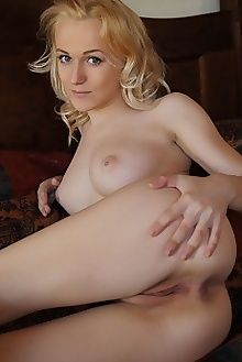 aislin koko arkisi indoor blonde blue boobies ass pussy blue eyes custom