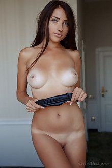 Niemira in Soy Yo by Arkisi indoor brunette black hair blue eyes boobies tanned busty shaved tight ass hips latest
