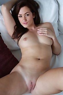 tess b lyndon showing all peter guzman indoor brunette brown boobies ass pussy hips custom