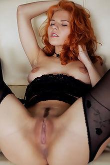 zarina ermoni arkisi indoor redhead pussy