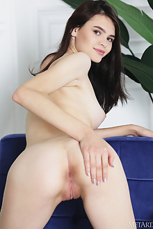 Kinsley in Natural Gaze by Flora indoor brunette brown eyes boobies shaved pussy ass custom