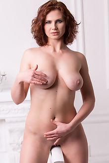 aphrodita new model presenting marlene indoor brunette blue boobies shaved