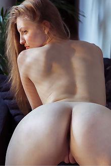bretona sevella albert varin indoor blonde green ass pussy hips tight