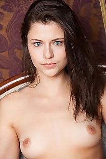 jessie new model presenting balius indoor brunette blue pussy custom