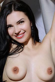 lilian aura new model presenting matiss indoor brunette green boobies shaved pussy