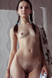 iva new model presenting albert varin brunette brown eyes small tits pussy