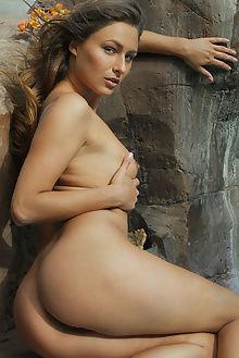yarina border arkisi outdoor brunette pussy ass