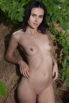 Mona in Ermod by Nudero outdoor brunette black hair green eyes shaved pussy custom latest