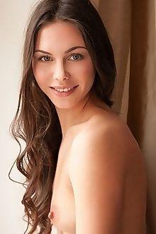 alina valera new model presenting koenart indoor brunette green shaved ass pussy custom
