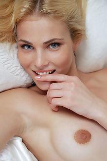 cordelia jedna arkisi indoor blonde ass pussy