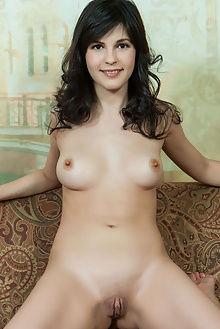 zelda yaneya rylsky indoor brunette brown boobies pussy