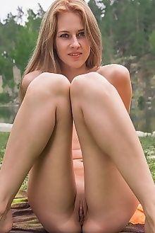mirayn frinca alex iskan outdoor blonde ass pussy custom