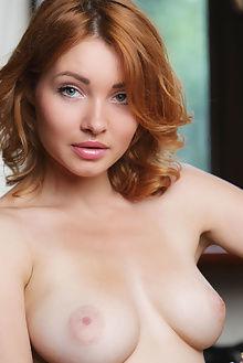 kika bersya leonardo indoor redhead blue boobies pussy