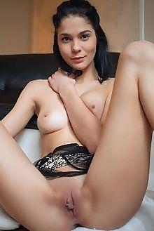 callista b syha arkisi indoor brunette brown boobies shaved pussy custom
