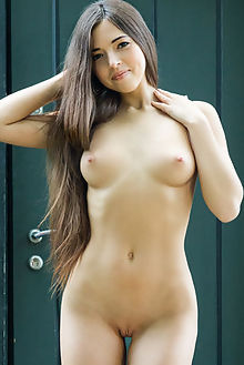 taliah pasoj rylsky diana dulce outdoor brunette brown boobies shaved ass pussy