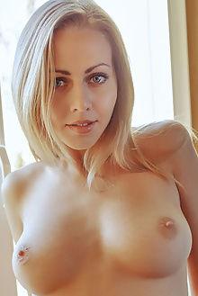 lija fortina arkisi indoor blonde blue boobies shaved pussy