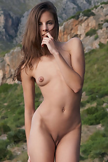 Antea in Aperto by Erro outdoor sunny brunette green eyes puffy nipples shaved latest