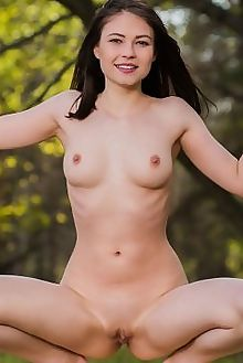 hilary c porrea karl sirmi outdoor brunette green woods shaved pussy custom