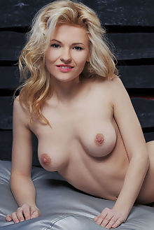 zarina metehi vicente silva indoor blonde brown boobies shav...