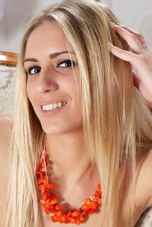 roxy blond girl antonio clemens indoor blonde blue boobies ass pussy
