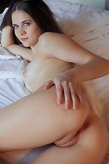etna jesila vicente silva indoor brunette blue petite boobie...