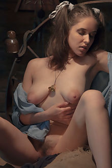 emily j scarecrow paul black indoor brunette hazel eyes hairy unshaven pussy fingering latest tle