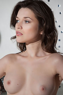 Serena Wood in Rayto by Nudero